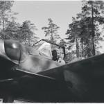 Luutnantti Kyösti Karhila lähdössä lennolle heinäkuun alussa 1944.