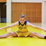 Korkeushyppääjä Arttu Mattila pelaa myös koripalloa.