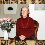 Anja Koskela oli matkustellut ja maailmaa nähnyt nainen, joka hymyili paljon.