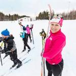 Kevätvauvaa odotellessa Aino-Kaisa Saarinen on ehtinyt mukaan yhteiskunnallisiin hankkeisiin, kuten ilmastonmuutosta vastaan kampanjoivan liikkeen toimintaan.