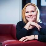 Elina Pekkarinen työskenteli aikaisemmin lastensuojelussa. Nyt hän toimii tutkijana Nuorisotutkimusverkostossa.