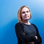 Moni lapsi elää Suomessa köyhyysrajan alapuolella, muistuttaa Elina Pekkarinen.