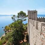 Castiglione del Lagosta voi hurauttaa Isola di Maggioren saarelle, jossa on pieni viehättävä kylä kahviloineen ja ravintoloineen.