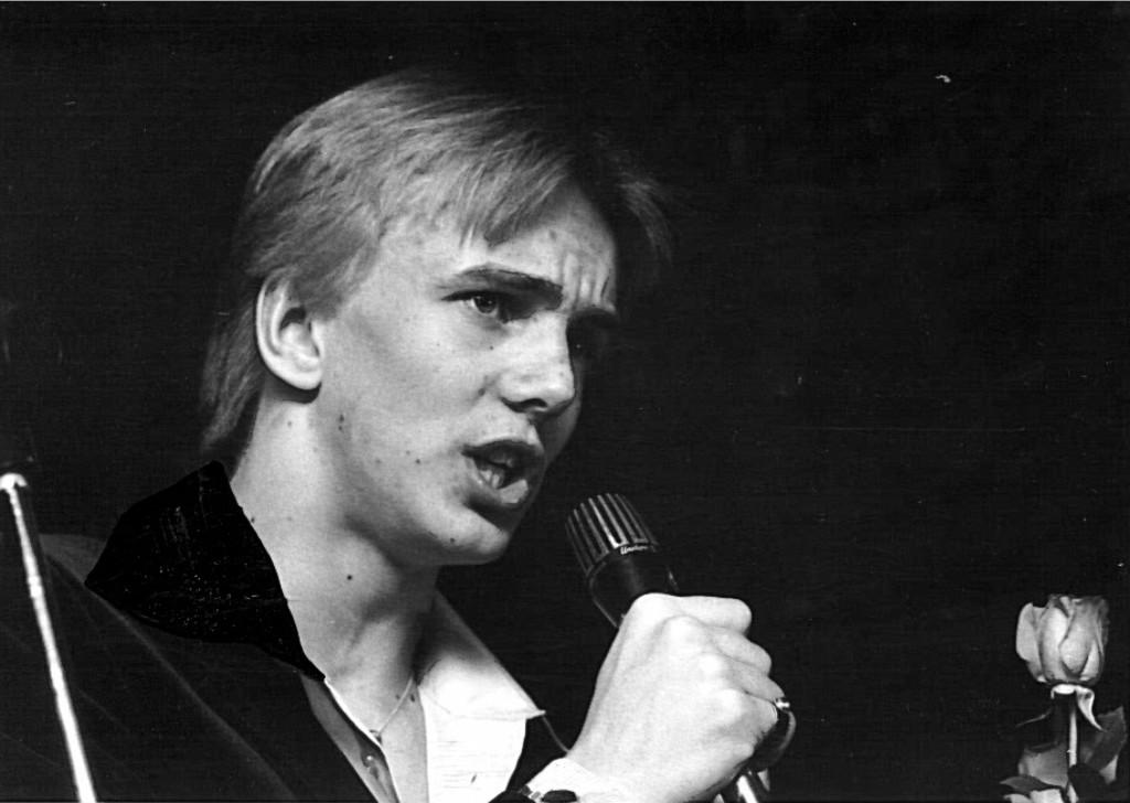 """""""Vähään aikaan en voinut uskoa voittoani todeksi, myönsi Ilkka Hämäläinen, joka syksyyn mennessä tulee suurelle yleisölle tutuksi Suur-Seuran Aurinkotyttökiertueen ja oman LP-levyn välityksellä. """""""