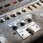 Lättähatun ohjauspaneelissa on vähän kytkimiä, mutta 1950-luvulla niitä ei enempää edes tarvittu.