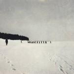Ensimmäiset pakolaiset saapuvat Suomenlahden jään yli Terijoen rantaan 17.3.1921 kello 12.30. Kuva on julkaistu Suomen Kuvalehdessä 9.4.1921 ilmestyneessä jutussa.