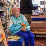 Tyyne Korkalo lukee joka ilta ennen nukkumaanmenoa.