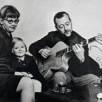 Mari Laurila oli kolmevuotias, kun hän levytti Aja hiljaa isi -kappaleen yhdessä vanhempiensa Ritva ja Heikki Laurilan kanssa.