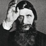 Rasputinia on kuvailtu rietastelevaksi hengenmie-heksi, joka todellisuu-dessa halveksi naisia. Kuollessaan hän oli 47-vuotias.