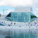 Oopperatalo oli pitkään poliitikkoja puhuttanut kuuma peruna, mutta sittemmin sen ympäristöstä sukeutui oslolaisten rakastama ulkoilupaikka.