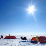 Lämmityslaitteiden kanssa tuli ongelmia keskellä jäätikköä. Onneksi lämmin sää auttoi, eikä telttoja tarvinnut lämmittää niin paljon kuin oli suunniteltu.
