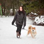 Nykyään Heidi Juutinen pitää hyvinvoinnistaan huolta muun muassa lenkkeilemällä perheen akitan Kuron kanssa.