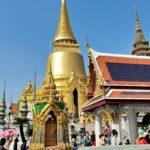 Wat Traimitin kultainen buddha lumoaa mahtipontisuudellaan.
