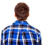 Äiti on pahoittanut mielensä, sillä aikuinen poika kohtelee vanhempiaan tylysti