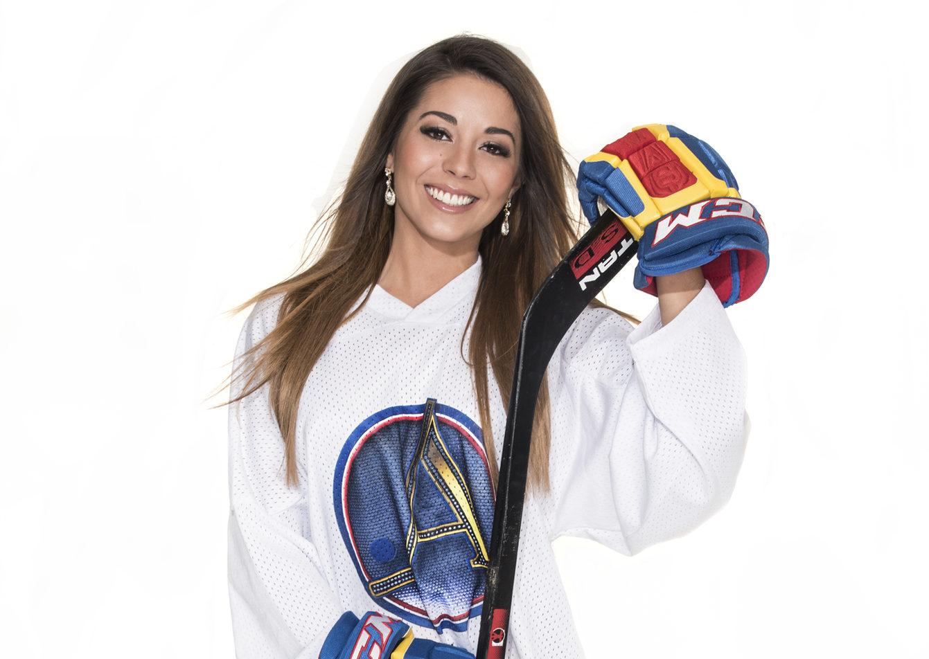 Amanda Harkimo amanda harkimo tutustuu uudessa sarjassa jääkiekkoilijoiden