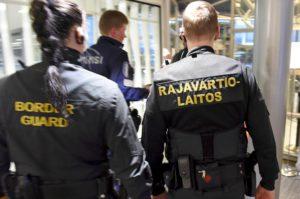 Rajavartiolaitos haluaa samat voimankäyttöoikeudet kuin poliisilla - Taustalla vihreiden miesten pelko