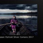 Vesa Tynin kilpailutyössä esiintyy valokuvaajan äiti.