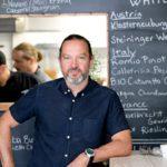 Nerå on uusi kortteliravintola Aurajoen rannalla. Keittiöpäällikkö Kari Hurri tunnetaan myös Tintå- ja Blanko -ravintoloista.