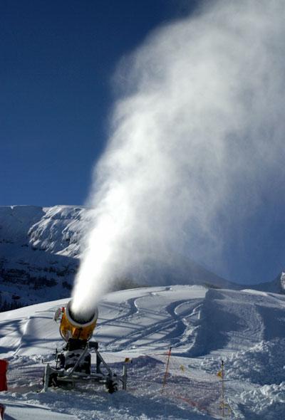 Lumitykki Sveitsin Wildhausissa.