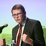 Matti Vanhasen hallitus poisti varallisuusveron ja yritti poistaa perintöveron. Hän pistäytyi Perheyritysten liiton toimitusjohtajana 2010–2015.