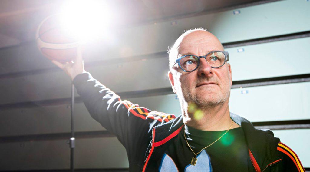 """""""On löytynyt polku, jolla voidaan varmistaa seuraavan pelaajasukupolven tulevaisuus"""", Henrik Dettmann sanoi vuoden 2017 EM-kisojen alla. Tänään Suomi pelaa paikasta MM-kisoihin."""