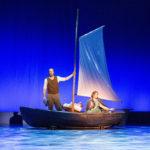 Aaro Wichmann ja Laura Alajääski näyttelevät Myrskyluodon Maija -musikaalissa.