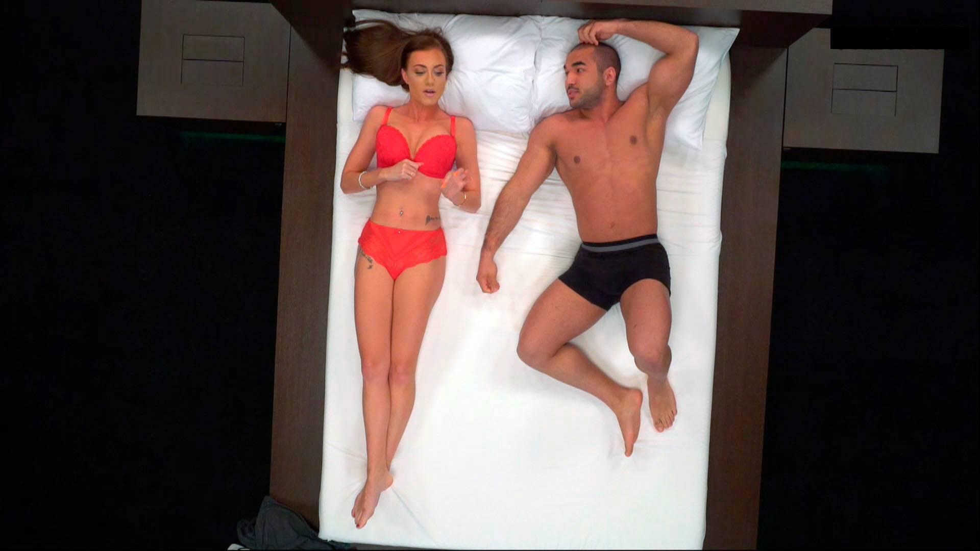 nainen ja nainen alastomat miehet