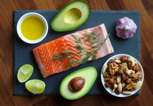 Vaihdevuodet helpottuvat terveellisellä ruokavaliolla.