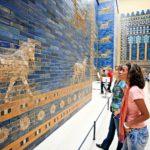 Pergamonmuseum kätkee sisälleen muinaisia aarteita.