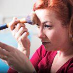 Epäpuhtaista meikkivälineistä voi siirtyä haavaan likaa, jolloin haava voi tulehtua.