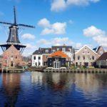 De Adriaan tuulimylly on ollut osa Haarlemin silhuettia 1770-luvulta lähtien. Myllyn vieressä sijaitsee viihtyisä Zuidam- ravintola.