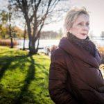 """Elina Kortekallio jäi eläkkeelle helmikuussa. """"Antoisimpia hetkiä opettajan työssä on, kun peruskoululaiset päättävät opintonsa ja lukiolaiset saavat lakkinsa. Silloin moni opettaja itkee."""""""