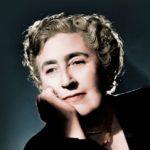 Agatha säilytti ensimmäisen aviomiehensä sukunimen kirjailijanimenään loppuun asti, vaikka avioitui uudestaan.