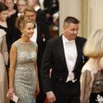 Jani Sievinen on saanut juhlia Linnassa neljän presidentin aikana. Tänä vuonna avecina on opettajapuoliso Maria Nyqvist.