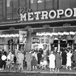 Vuonna 1939 valmistunut Bio Metropol oli aikansa suurin elokuvateatteri 1000 katsojan kapasiteetillaan. Se sijaitsi Helsingissä nykyisen Kinopalatsin kohdalla.