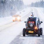 Testikilvillä ajeleva robottiauto Juto on tähän mennessä selvinnyt 26 asteen pakkasessakin Muonion älytiellä.