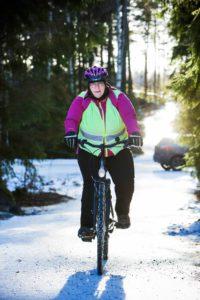 Talvipyöräilyssä voit kokea luonnon lähelläsi.