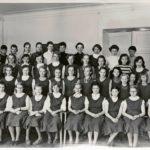 """""""Tyttökoulun lahja oppilailleen oli hyvä käytös ja itsehillintä."""""""
