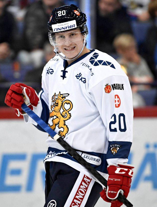 18-vuotias Eeli Tolvanen on esiintynyt edukseen Jokereiden riveissä KHL:ssä.
