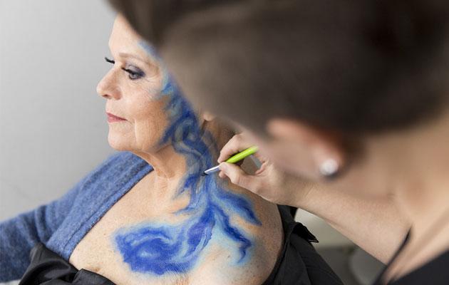 Katri Helenan upea vartalomaalaus tehtiin Otavamedian studiolla.
