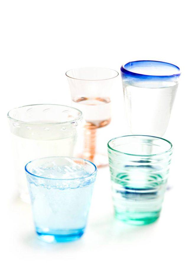 Noroviruksen iskiessä suositeltava määrä olisi juoda 1,5–2 litraa nestettä vuorokaudessa. On juotava niin paljon, että limakalvot eivät tunnu kuivilta, eikä olo ole voimakkaan uupunut