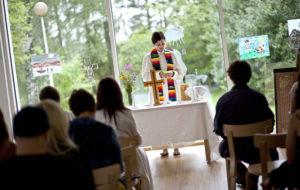 Vanhoillislestadiolaisen Mari Leppäsen pappisvihkiminen on historiallinen tapaus herätysliikkeen parissa.