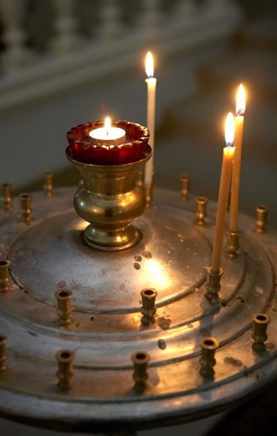 Ortodoksinen kirkko kunnioittaa perinteitä.