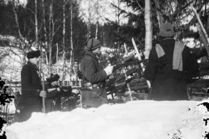 Punakaartin ampumaketju Ruovedellä 1918.