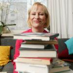 Kirjailija Sinikka Nopola antaa lukuvinkiksi Pirkko SaisionSpuuki Spaidermän ja raju Nonna -kirjan.