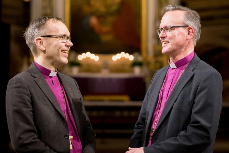 Björn Vikström ja Tapio Luoma arkkipiispanvaalin toisen kierroksen vaalipaneelissa Turun tuomiokirkossa 16. helmikuuta 2018.