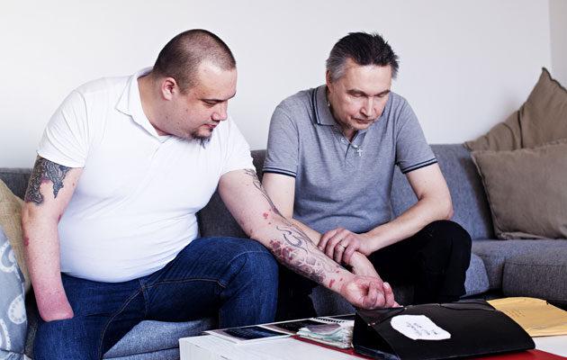 Marko Pöllänen asuu yksin. Isä Kari Pöllänen on hänelle tärkeä tuki.
