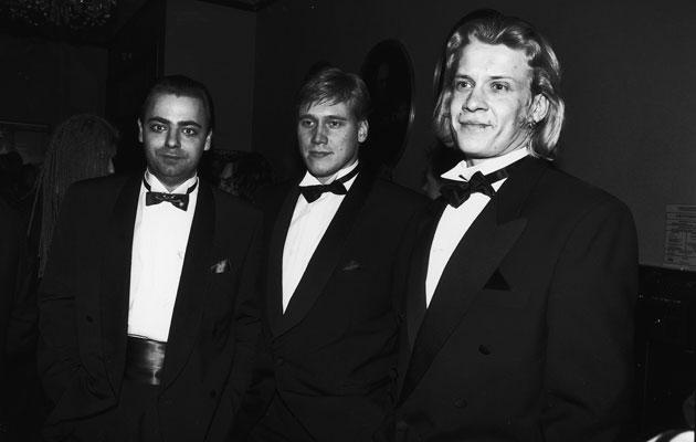Samuli Edelmann, Santeri Kinnunen ja Aleksi Mäkelä tekivät elokuvan Esa ja Vesa - auringonlaskun ratsastajat vuonna 1994.