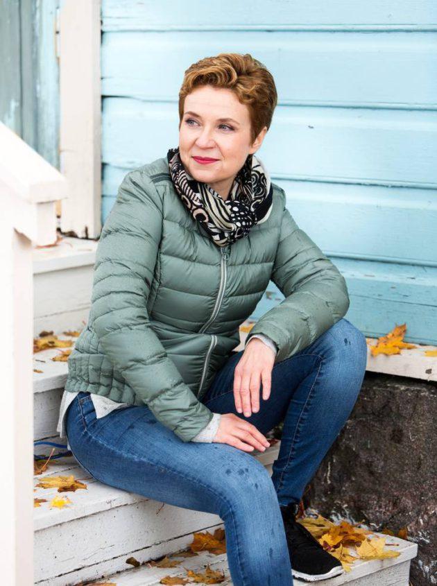 Kirjailija Sirpa Kähkönen harrastaa liikuntaa säännöllisesti.