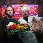 Tuomas Milonoff ja Riku Rantala ovat Mad Cook Show'n juontajat.